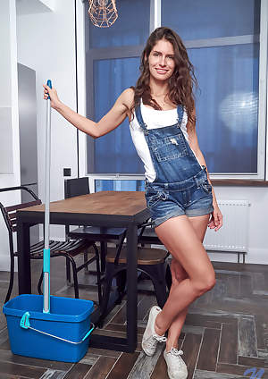 Nubiles - Stunner featuring Lana Stotch. (Photos)