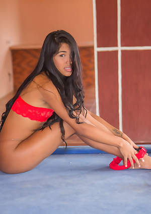 Nubiles - Latin Beauty featuring Ambar Suarez. (Photos)